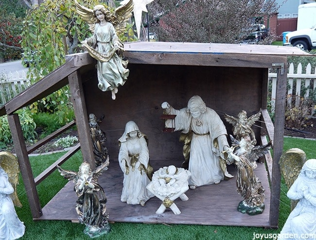 How To Create An Outdoor Nativity Scene