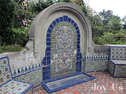 A closer look at the mosaics at Casa del Herrero house and garden