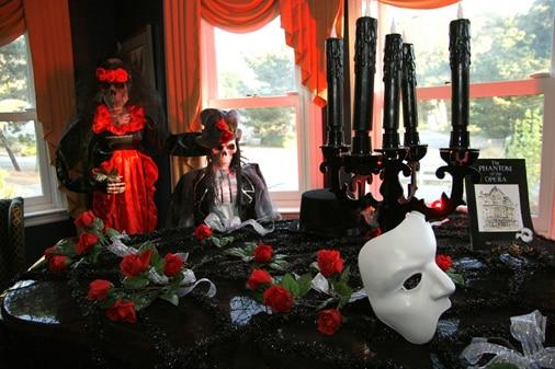 A full peek at the Phantom of the Opera table