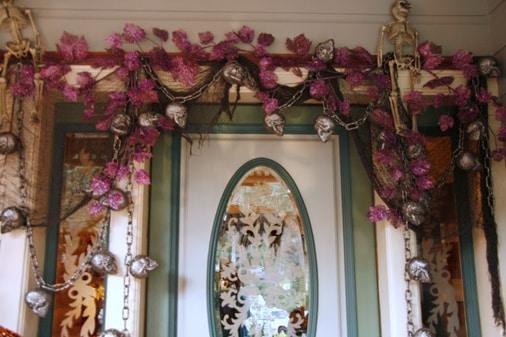 Cute door garland idea