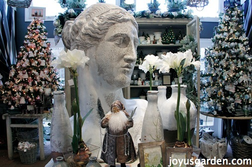 Rogers Garden Stone Christmas at rogers gardens visiting rogers gardens at the holidays is a beloved tradition for those in orange county my buddy in the virtual plant and flower world annie haven of workwithnaturefo