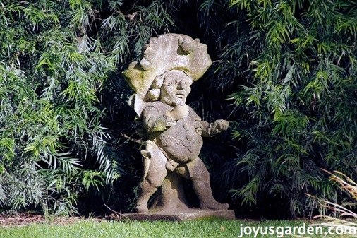 Lotusland Tour: Japanese Garden, Aloe Vera, and More!