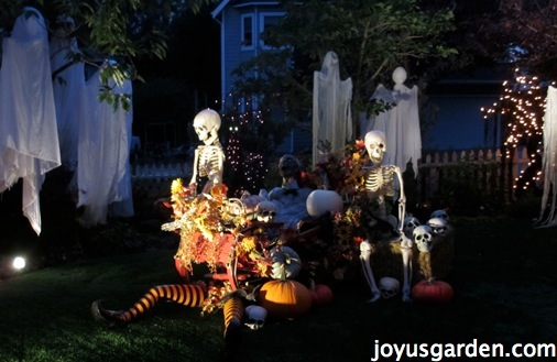 spooky halloween decorations outdoors - Spooky Halloween Decorations