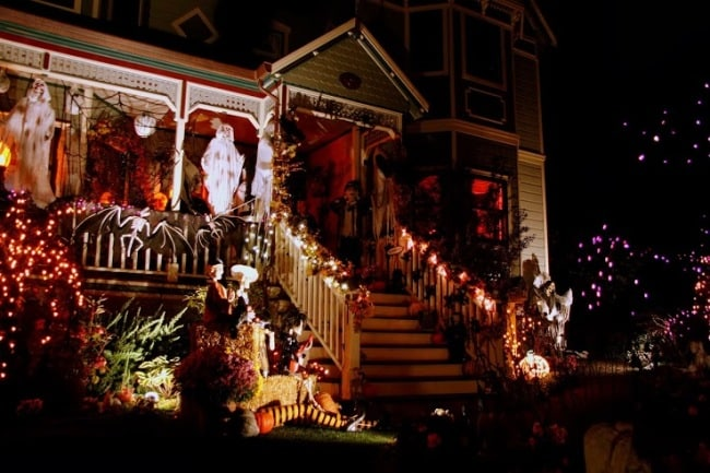 A look at the Halloween porch