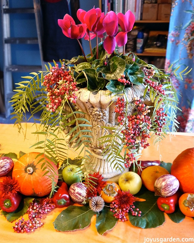 Stunning fall centerpiece