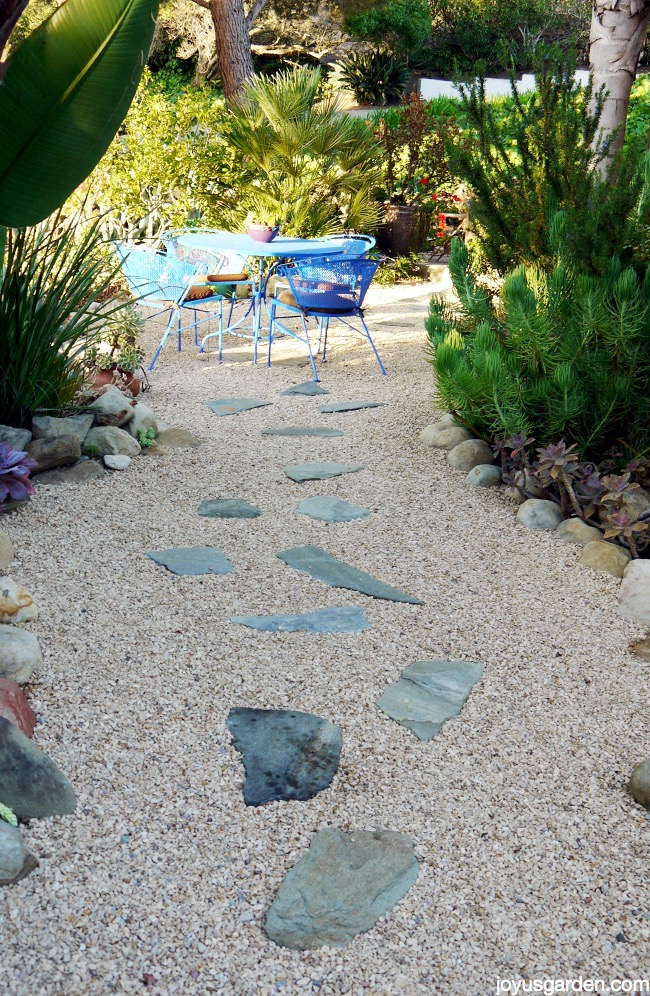Maintaining A Gravel Landscape on Backyard Pebbles Design id=29142