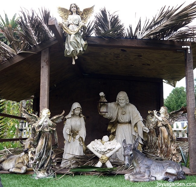 That interrupt Outdoor nativity sets