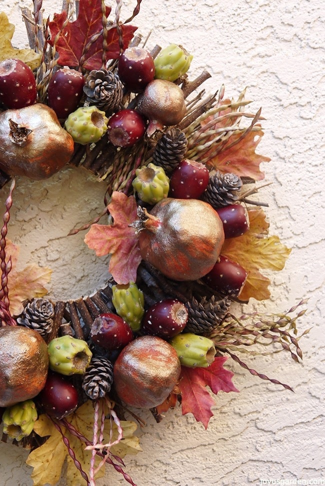 Completed desert style fall wreath