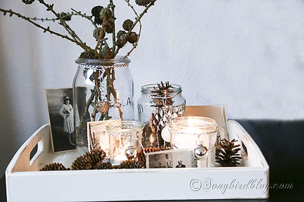 Holiday vignette in a small tray