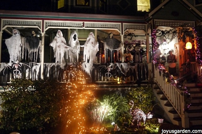 Amazing ghosts on the porch