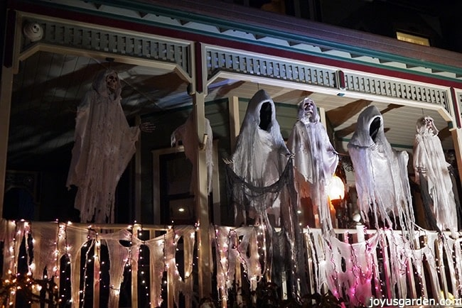 Spooky ghouls on the porch
