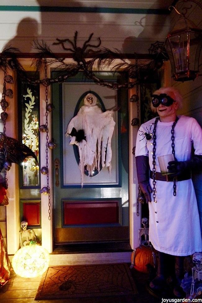 Halloween decorations at the front door